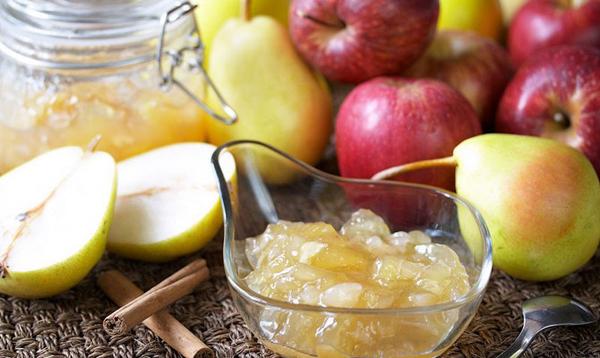 Из груш и яблок